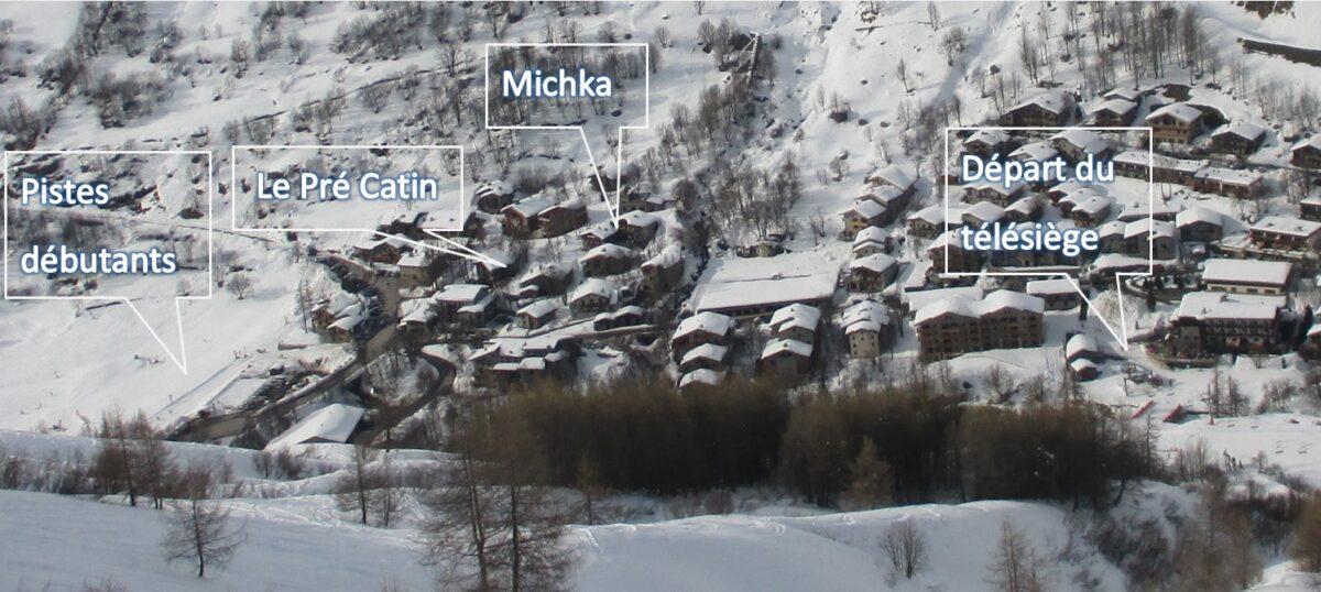 Un village enneigé