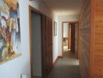 Un couloir, un tableau