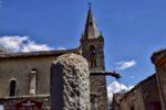 Une fontaine, une église